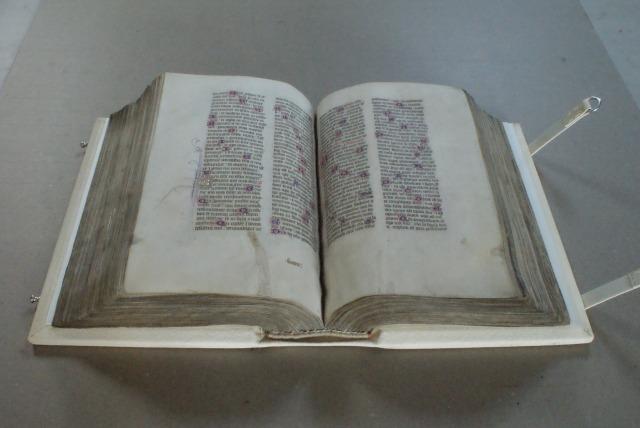 (Pic 20) Opening the rebound manuscript